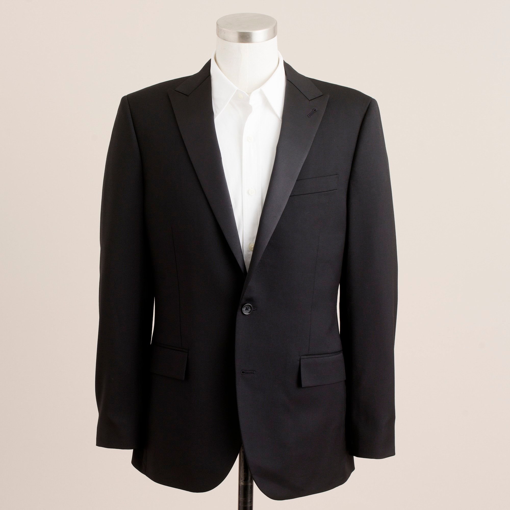 ludlow two-button tuxedo jacket with double-vented back :