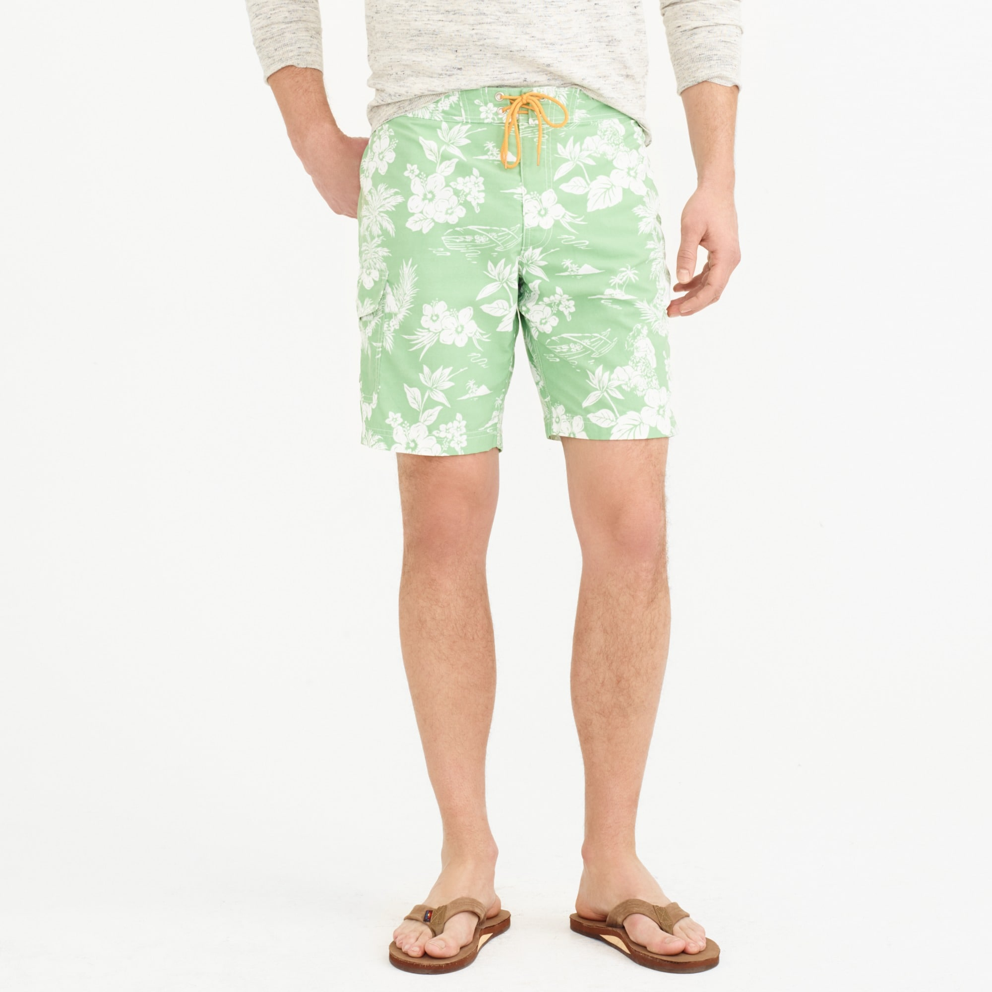 "9"" board short in tropical floral :"