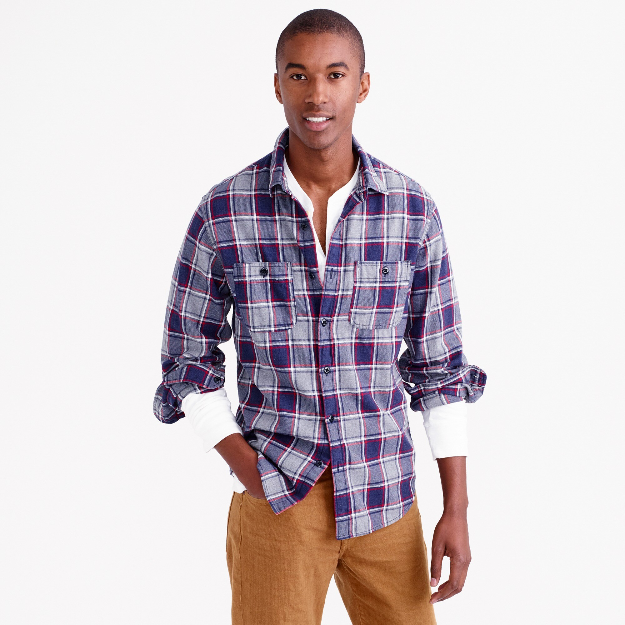Slim midweight flannel shirt in classic navy plaid