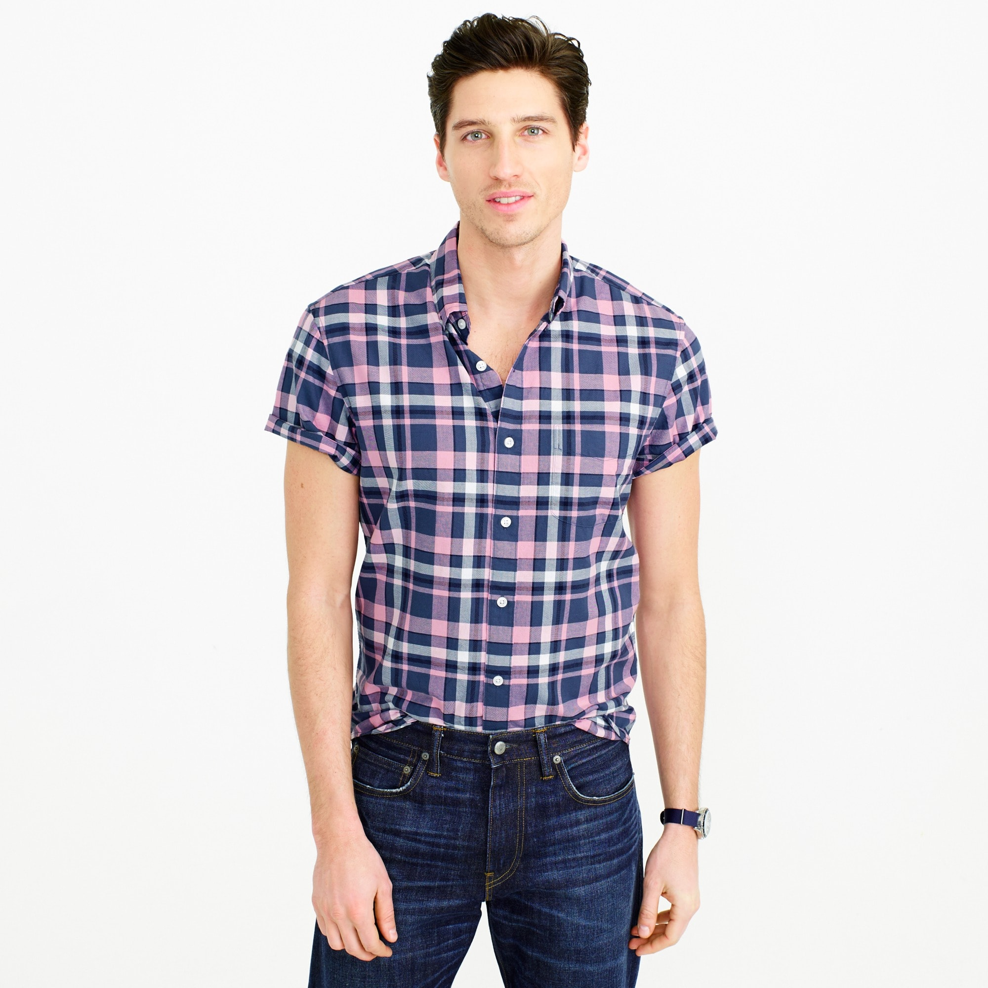 Slim short-sleeve lightweight oxford in pink plaid
