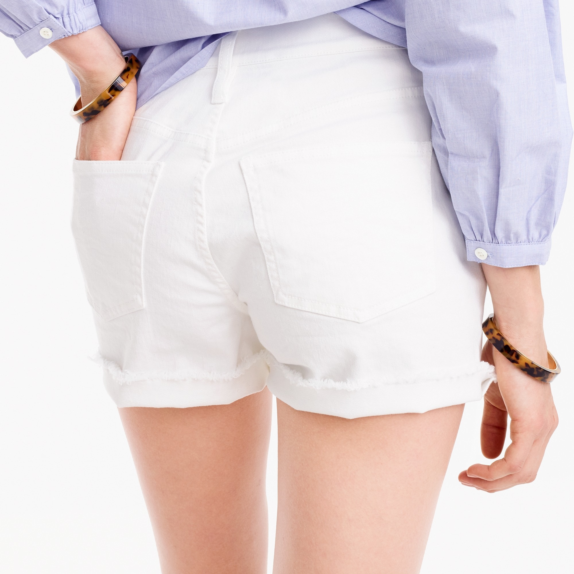 High-rise denim short in white