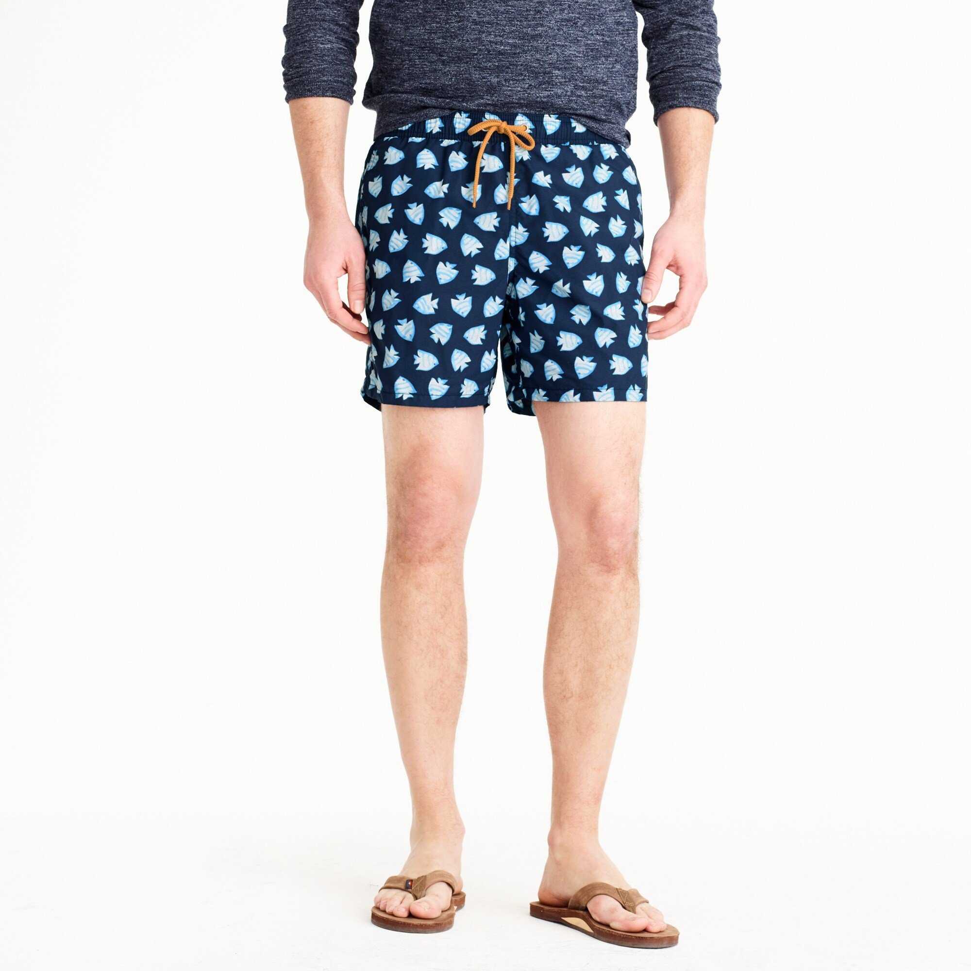 "6"" swim trunk in fish print"
