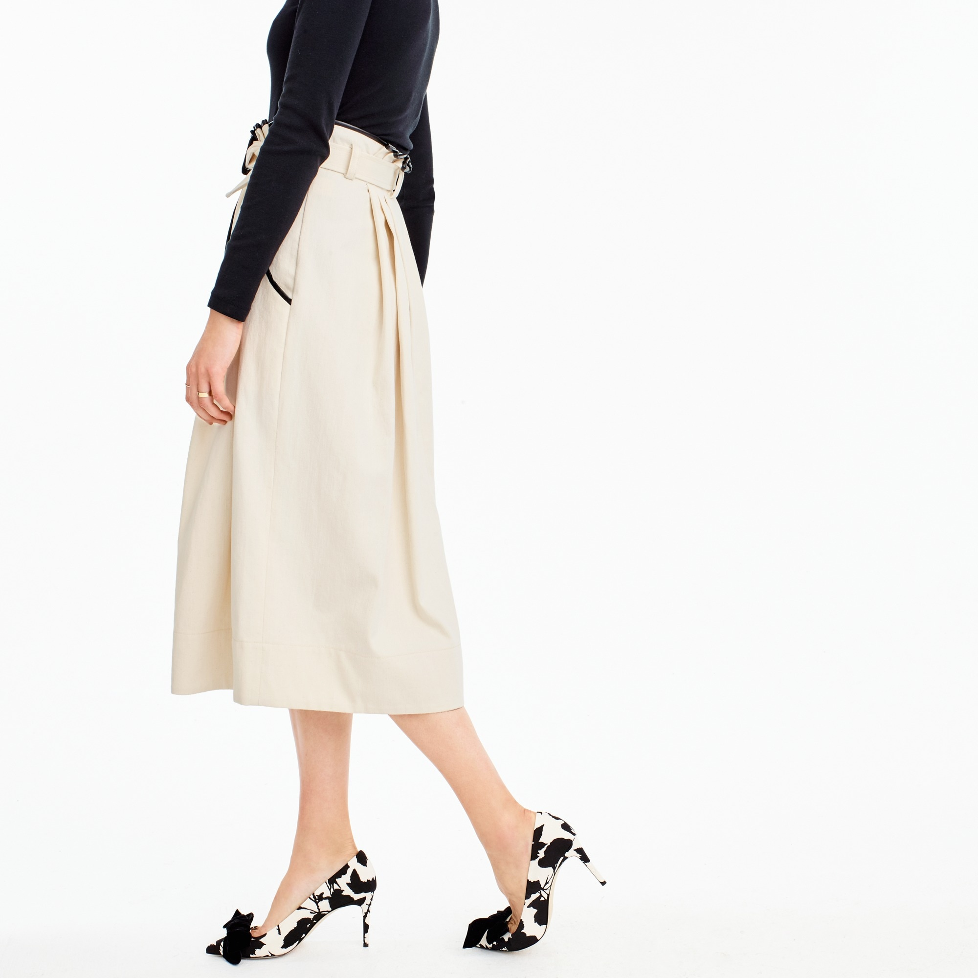 Collection pleated skirt in natural denim with leather