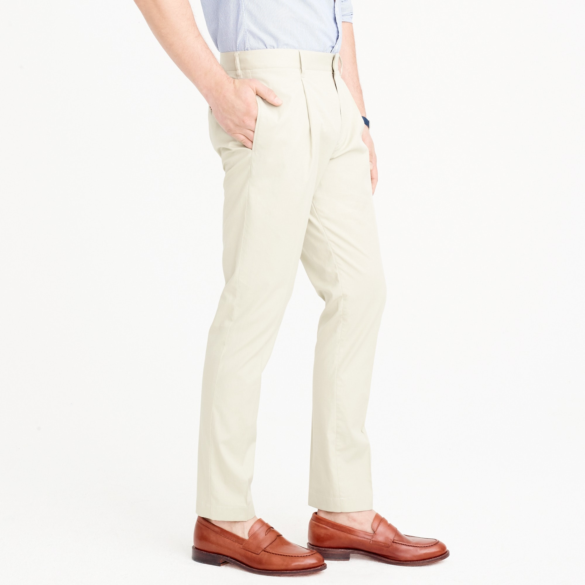 Pleated tapered pant in Italian cotton piqué
