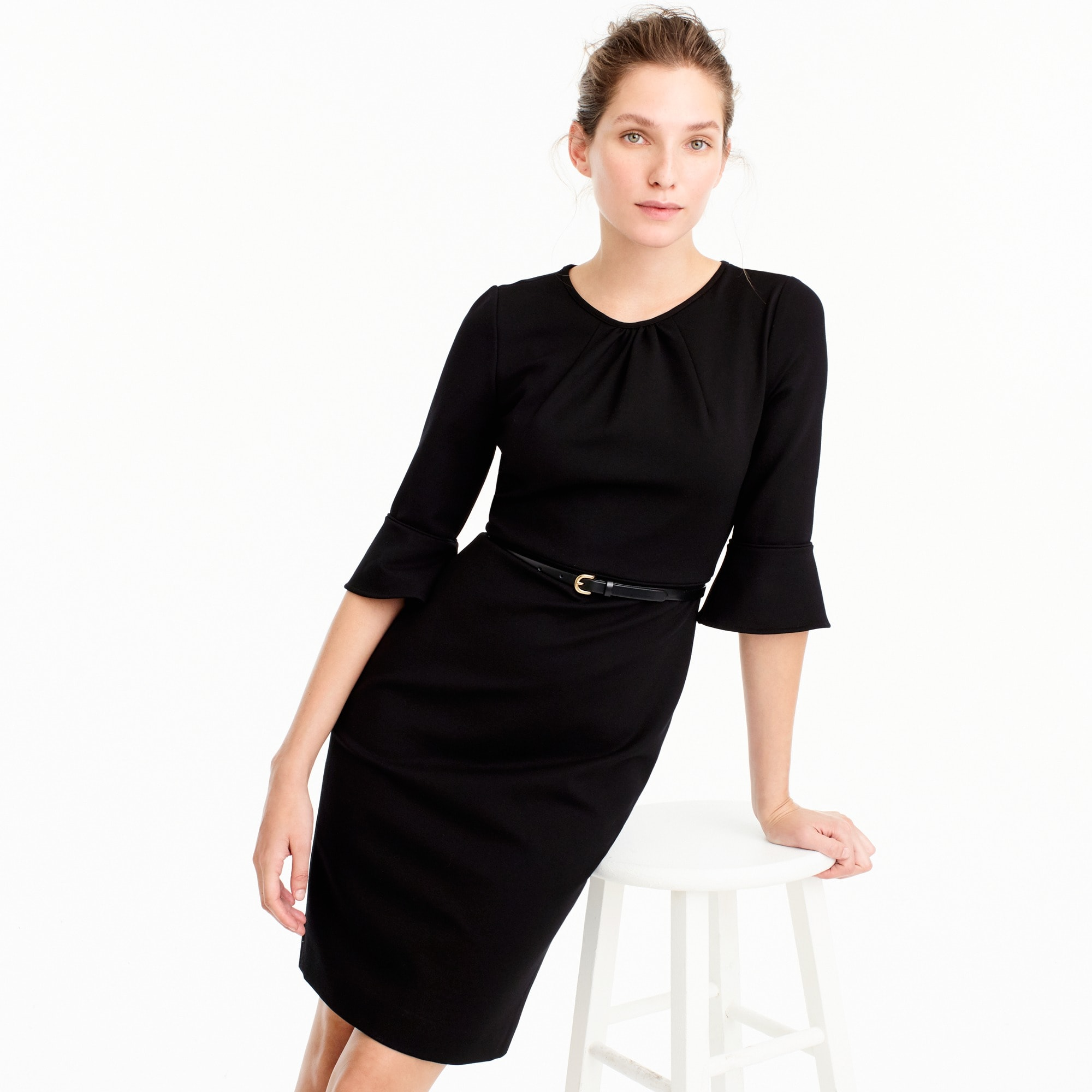 Bell-sleeve sheath in stretch ponte