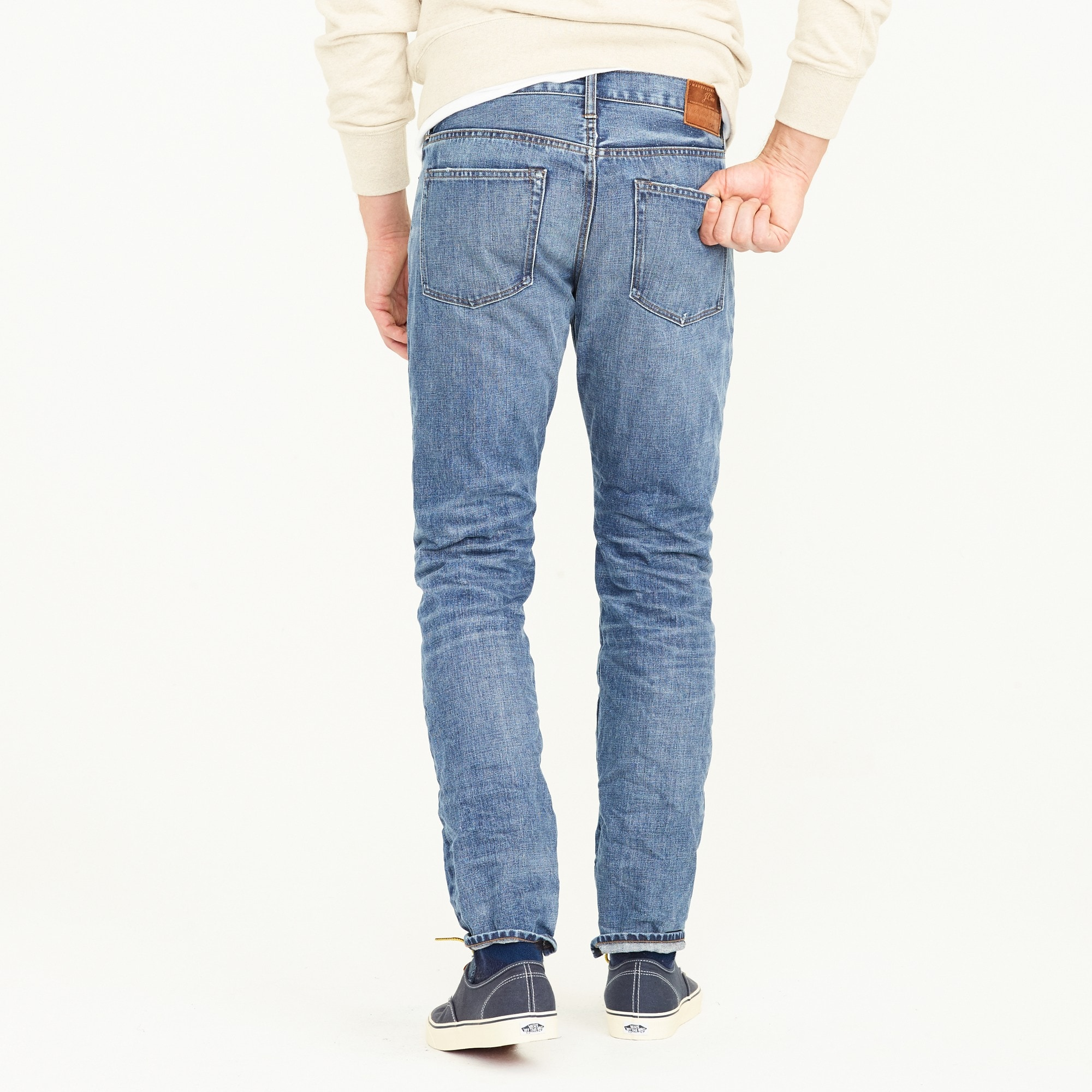 1040 Athletic jean in Sutton wash