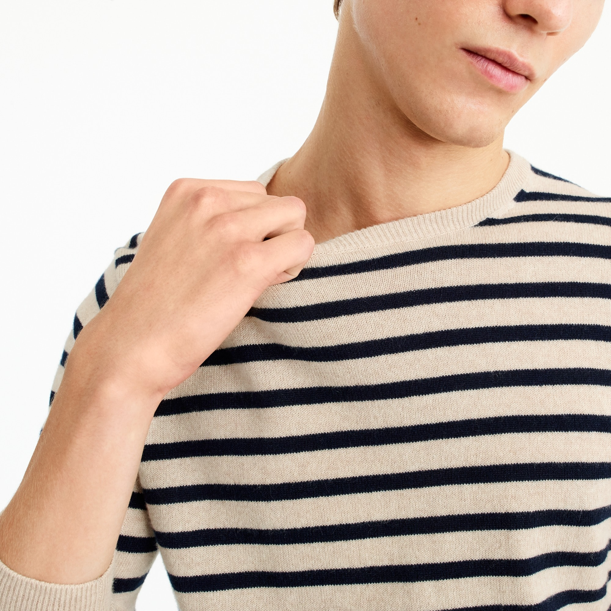 Everyday cashmere crewneck sweater in stripe