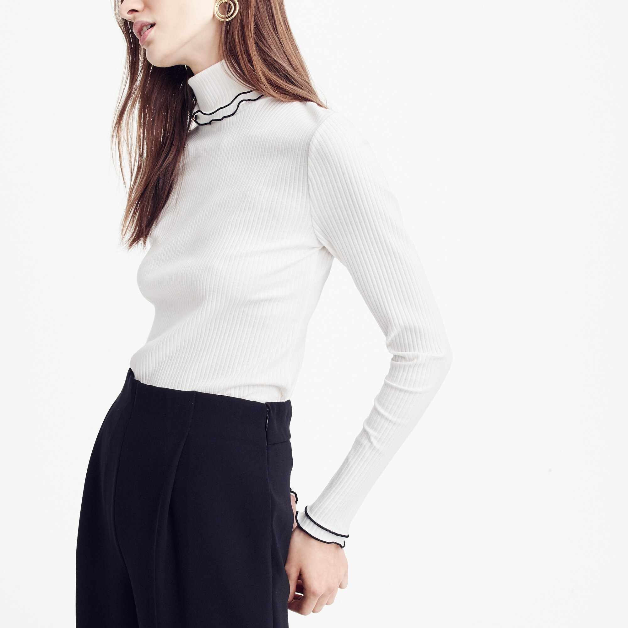 Contrast ribbed turtleneck