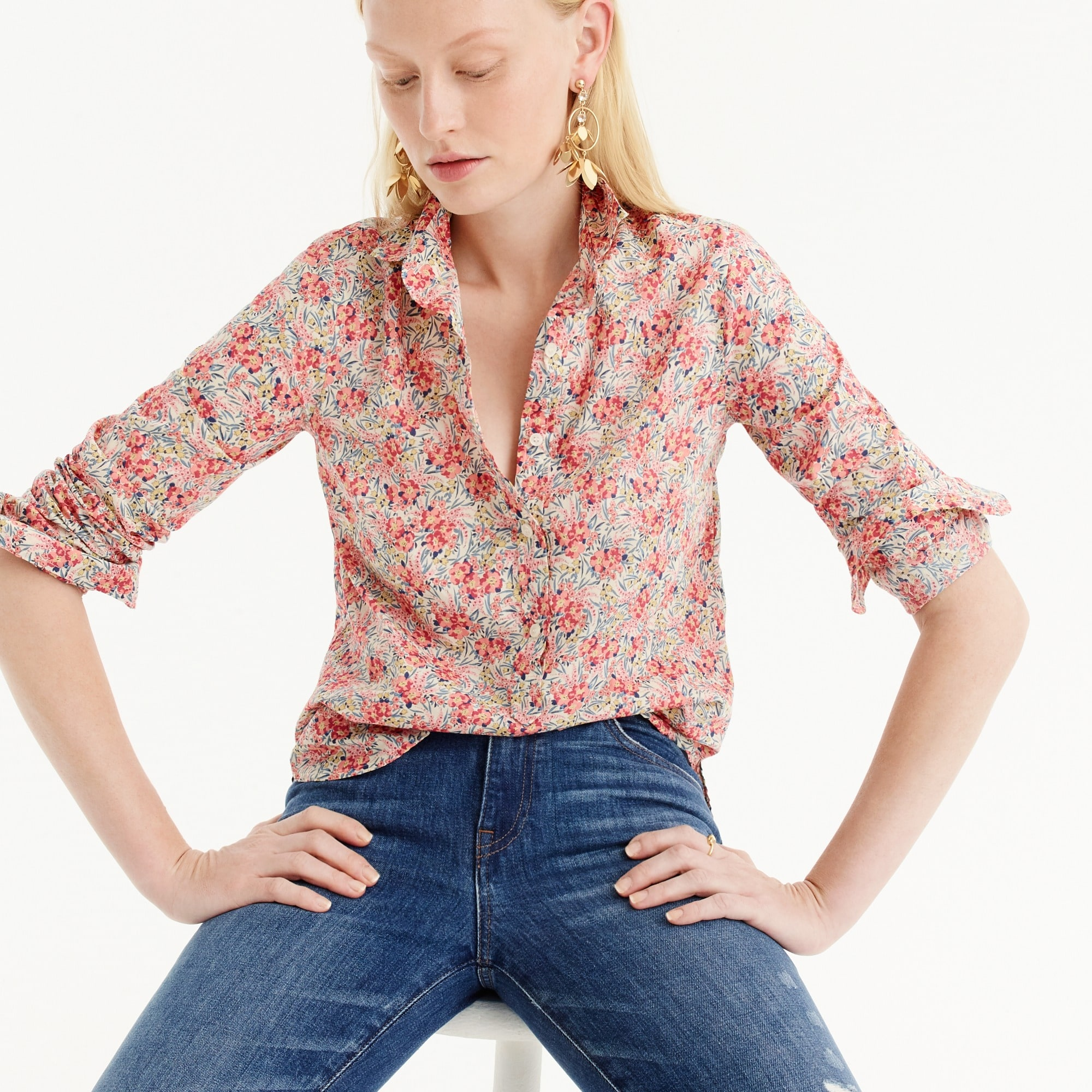 Image 4 for Tall classic popover shirt in Liberty® swirling petals