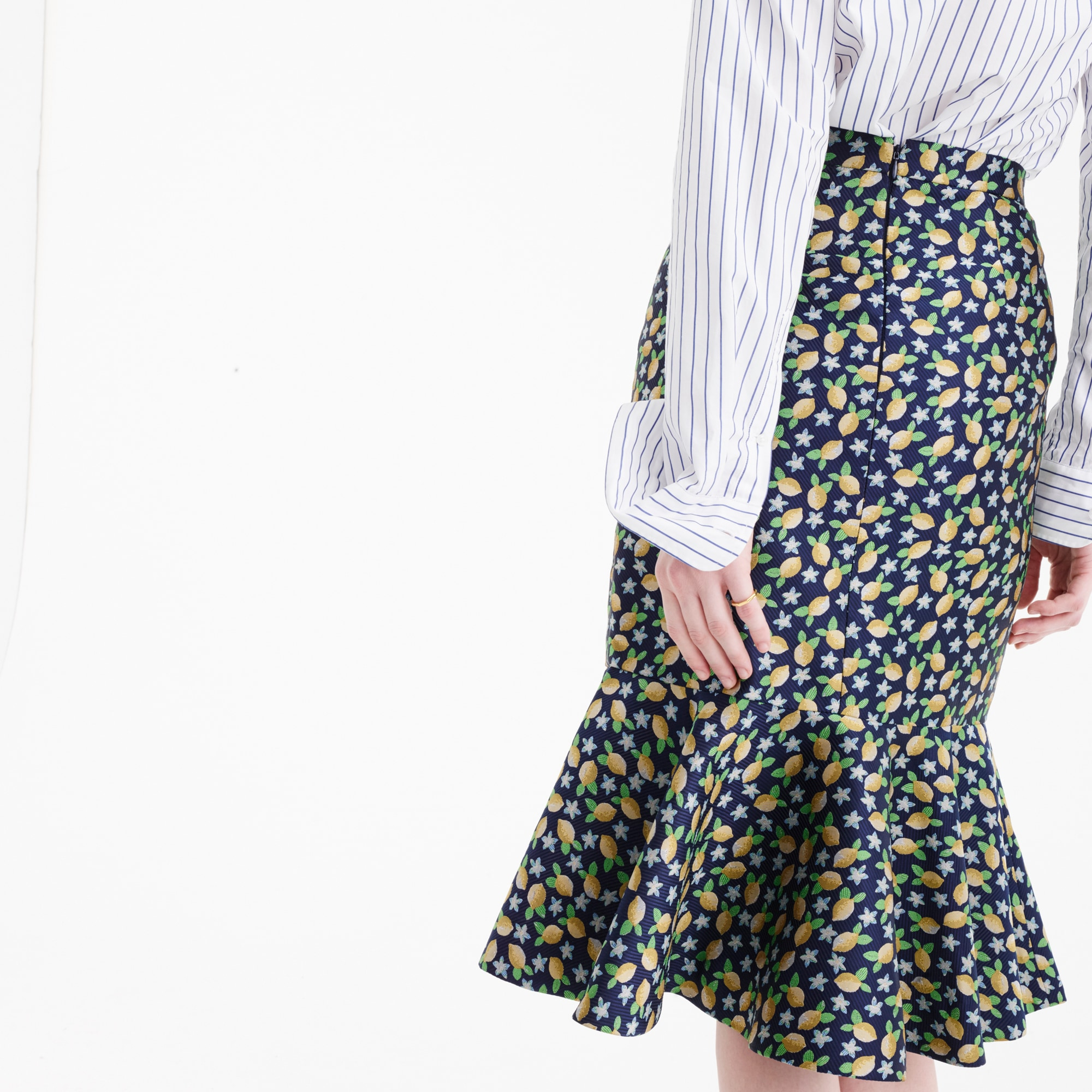 Tall Trumpet skirt in lemon jacquard