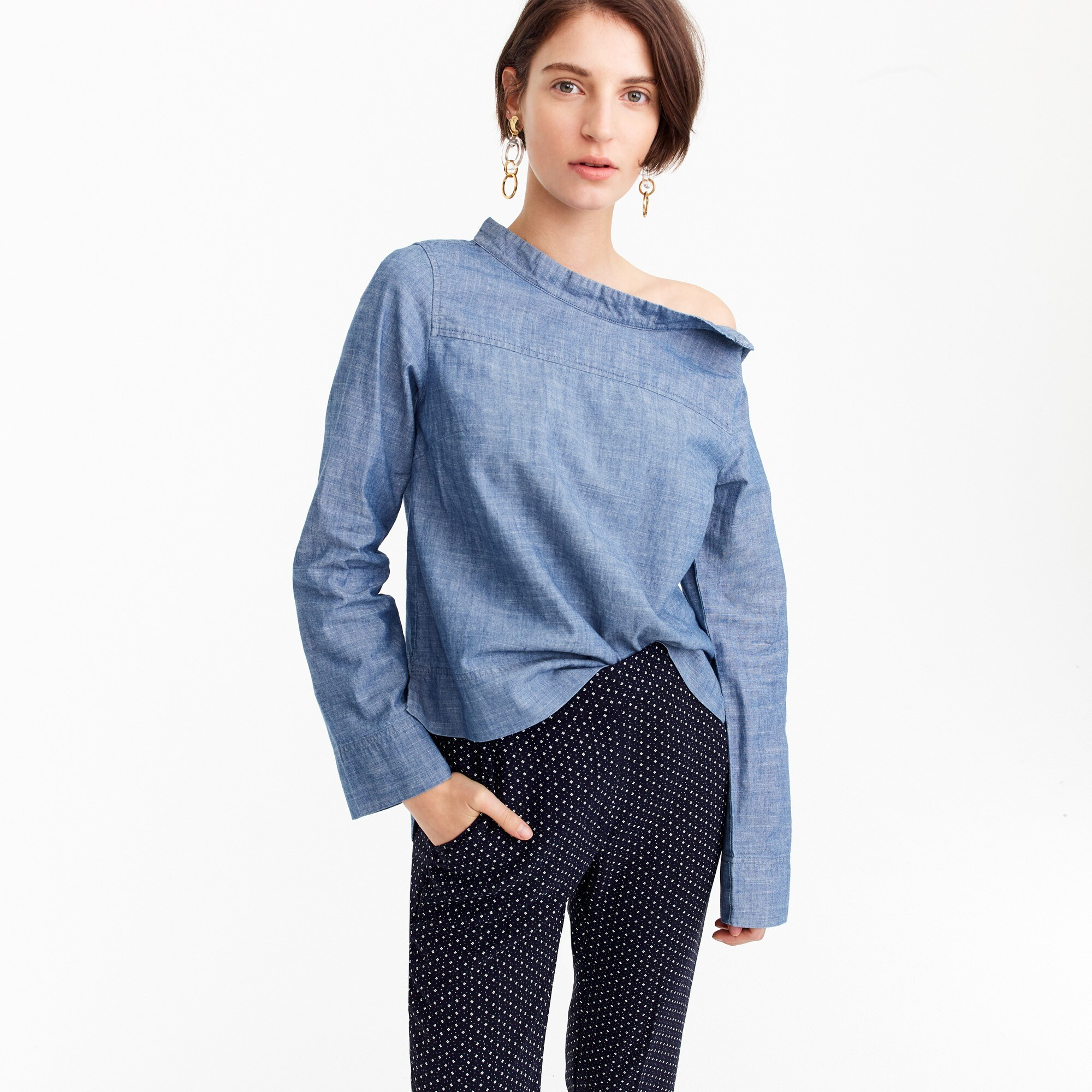 Tall funnelneck shirt in chambray