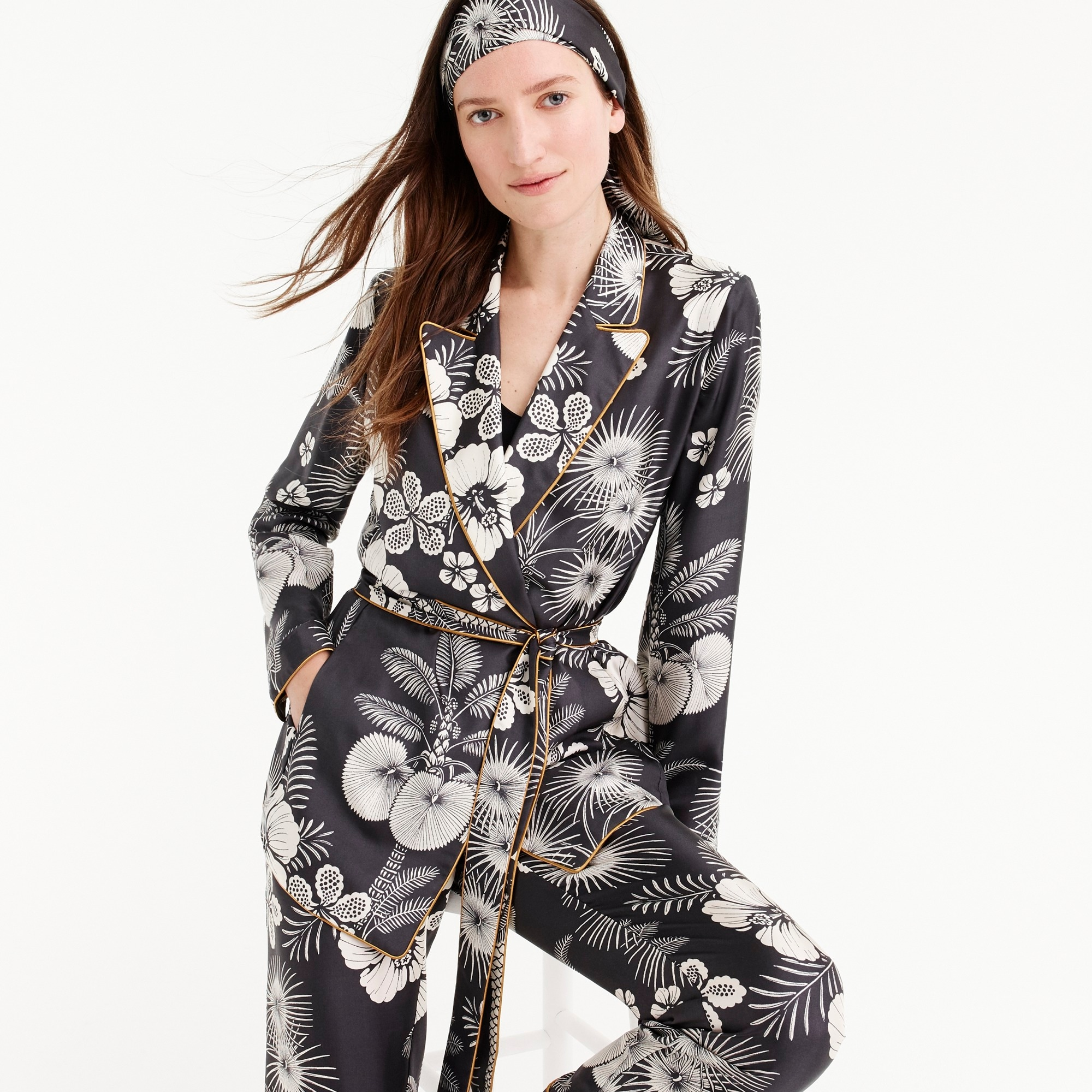 Silk wrap blazer in island floral