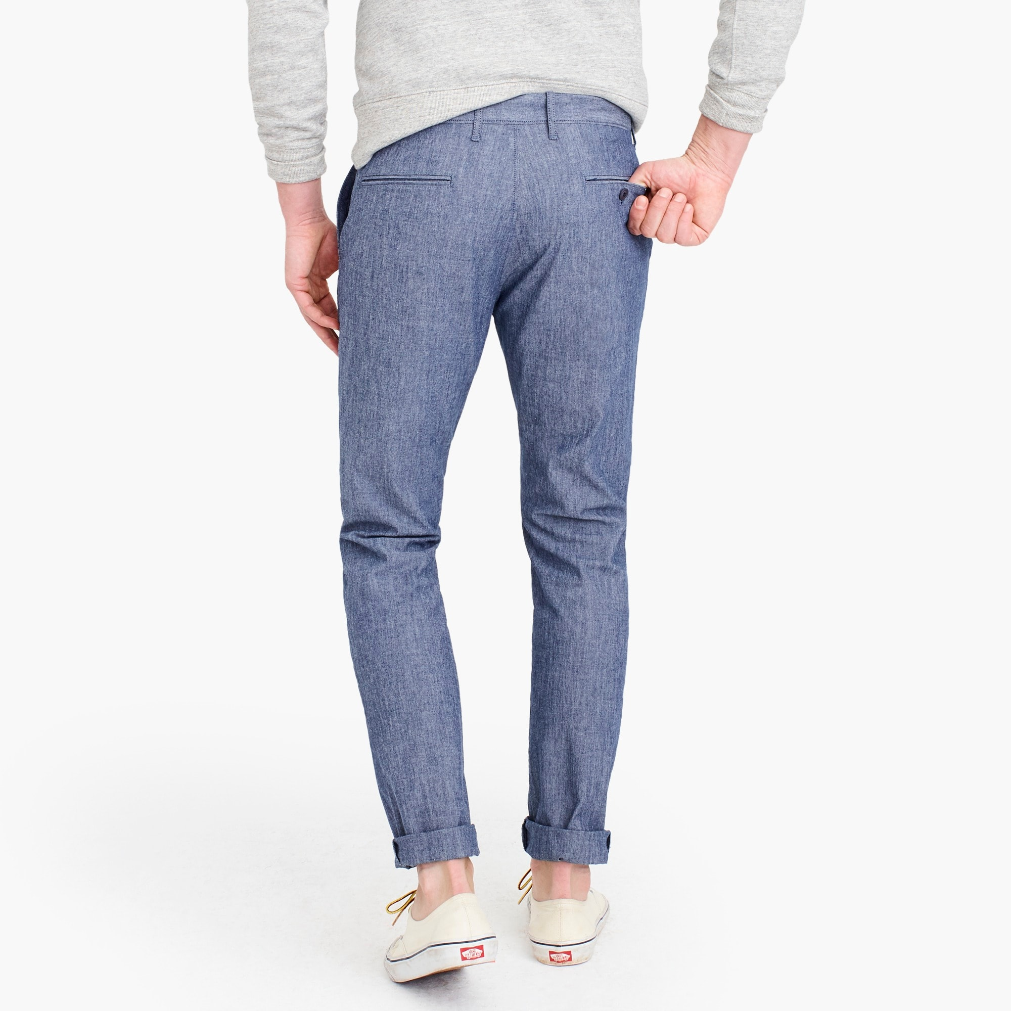 770 Straight-fit chino in stretch chambray