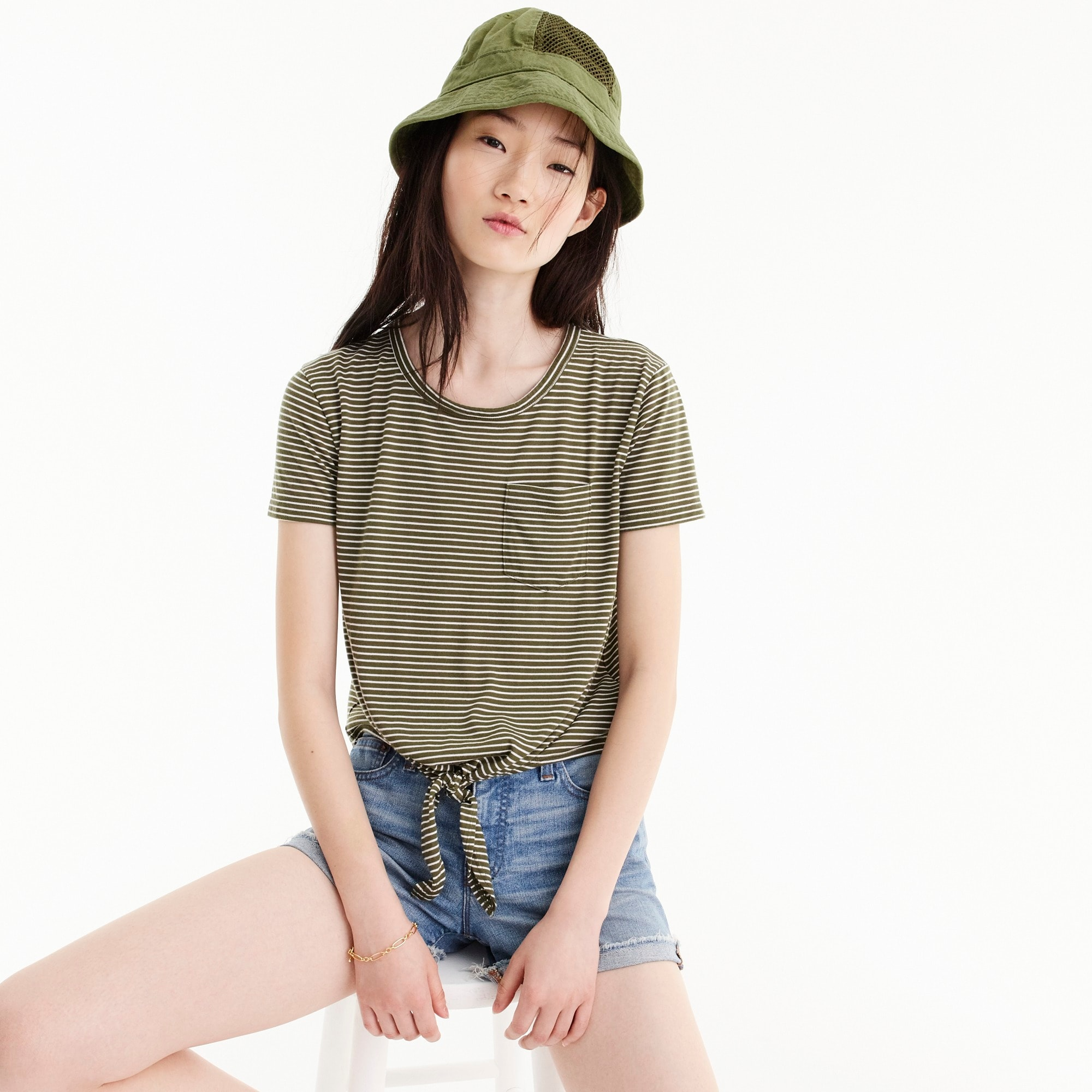 Knotted pocket T-shirt in stripes