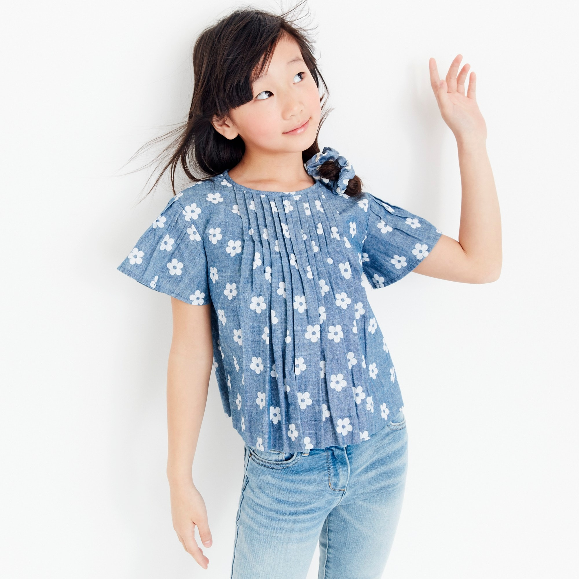 girls Girls' pleated top in daisy-print chambray