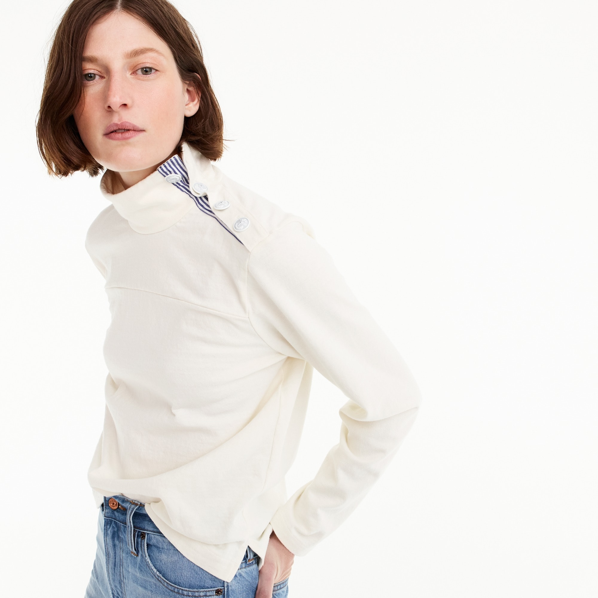 Button-shoulder turtleneck