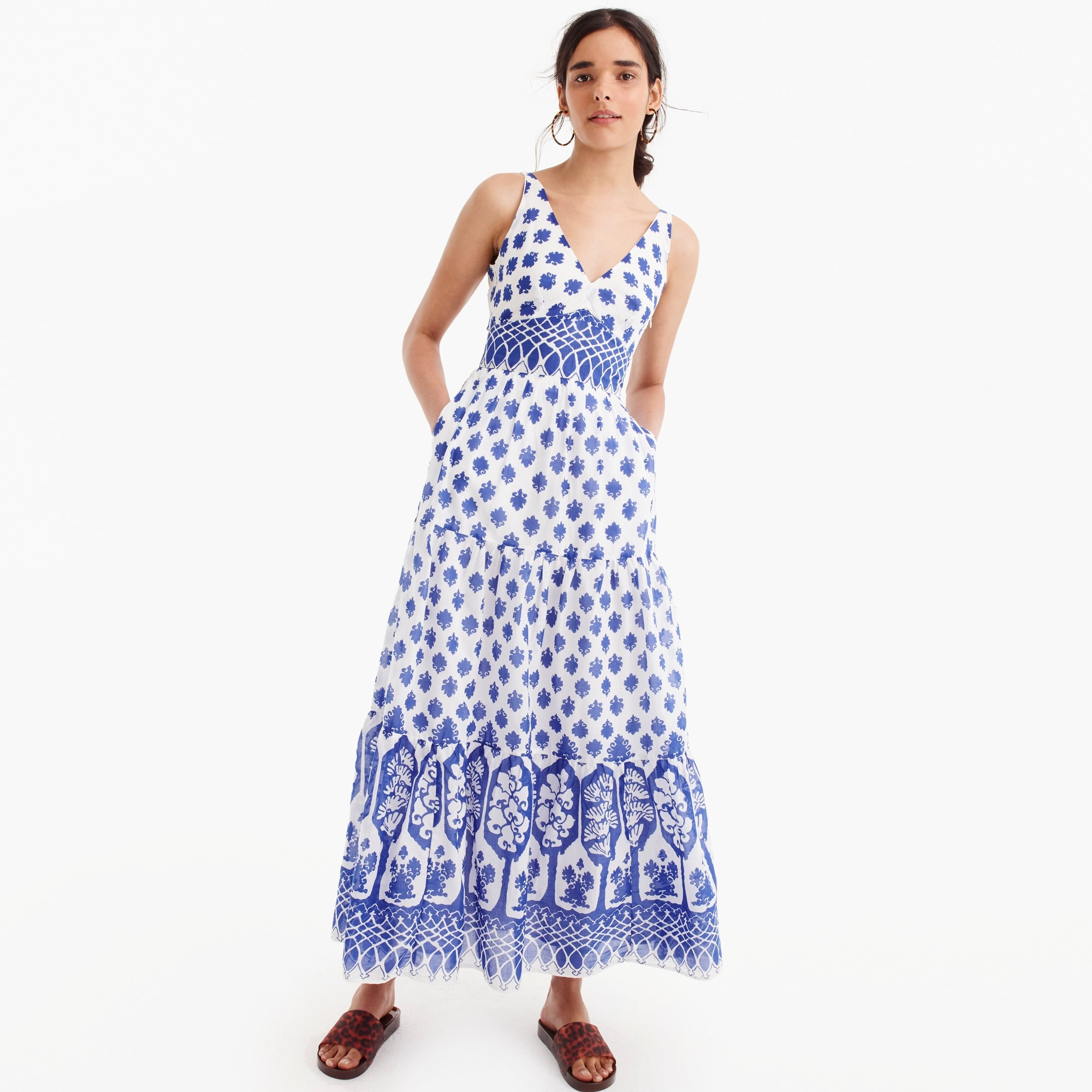 V-neck maxi dress in block print women dresses c