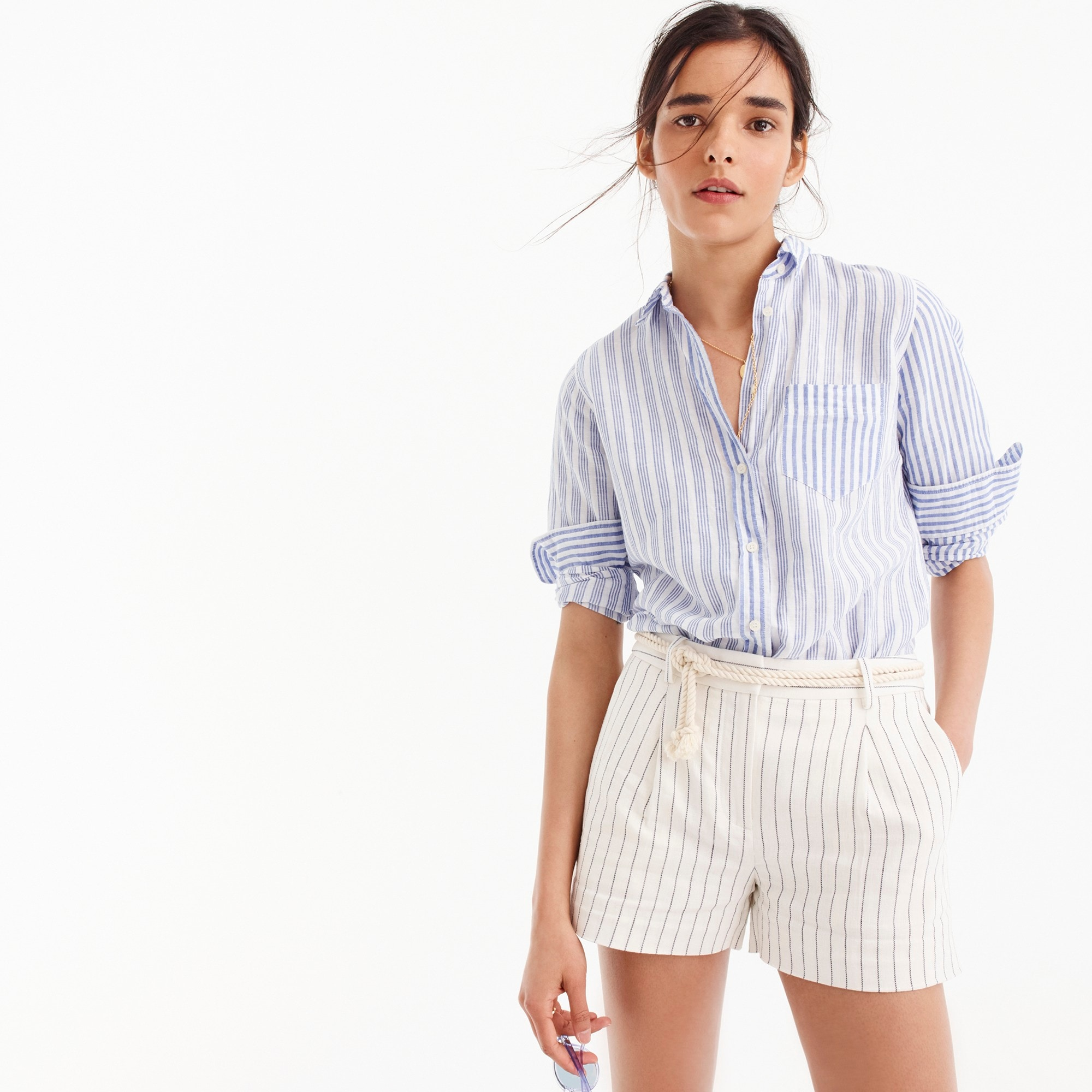 Rope-waist pleated shorts