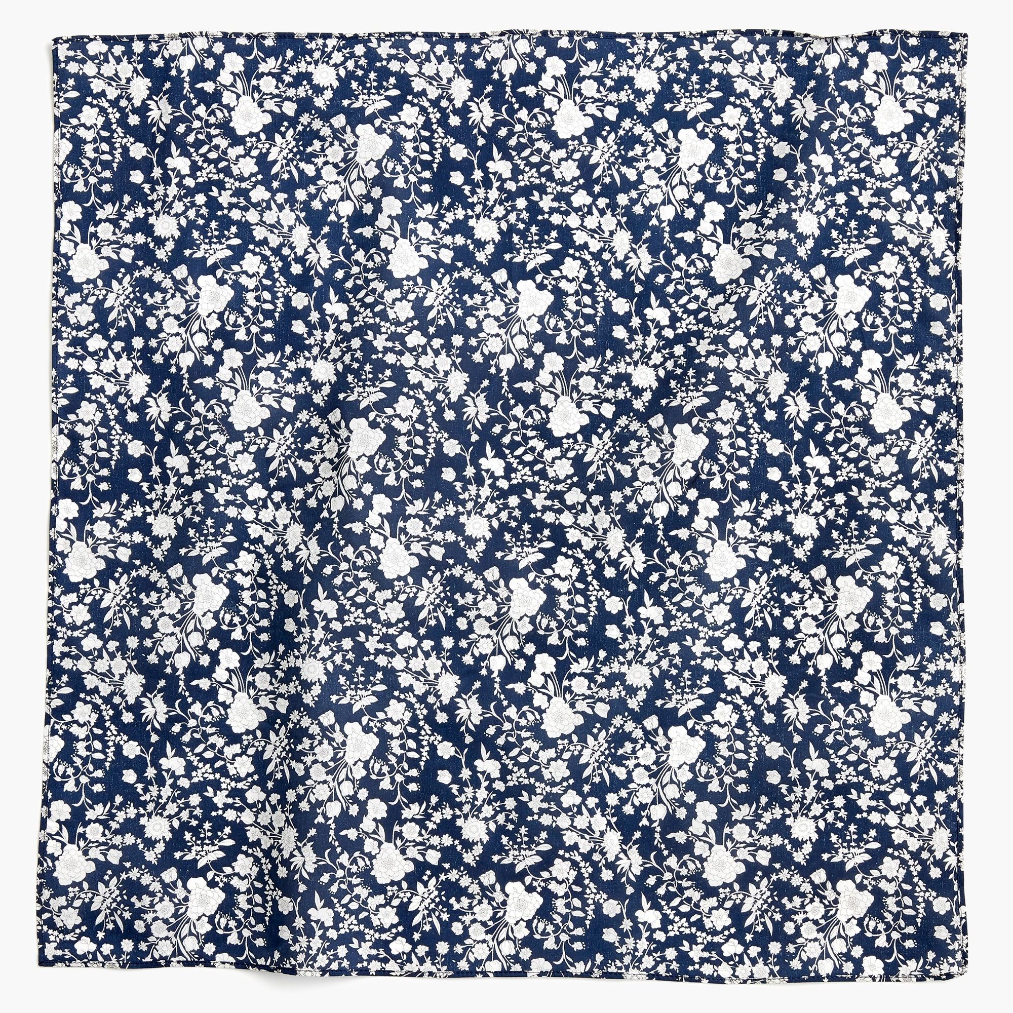 Bandana in Liberty® in summer bloom