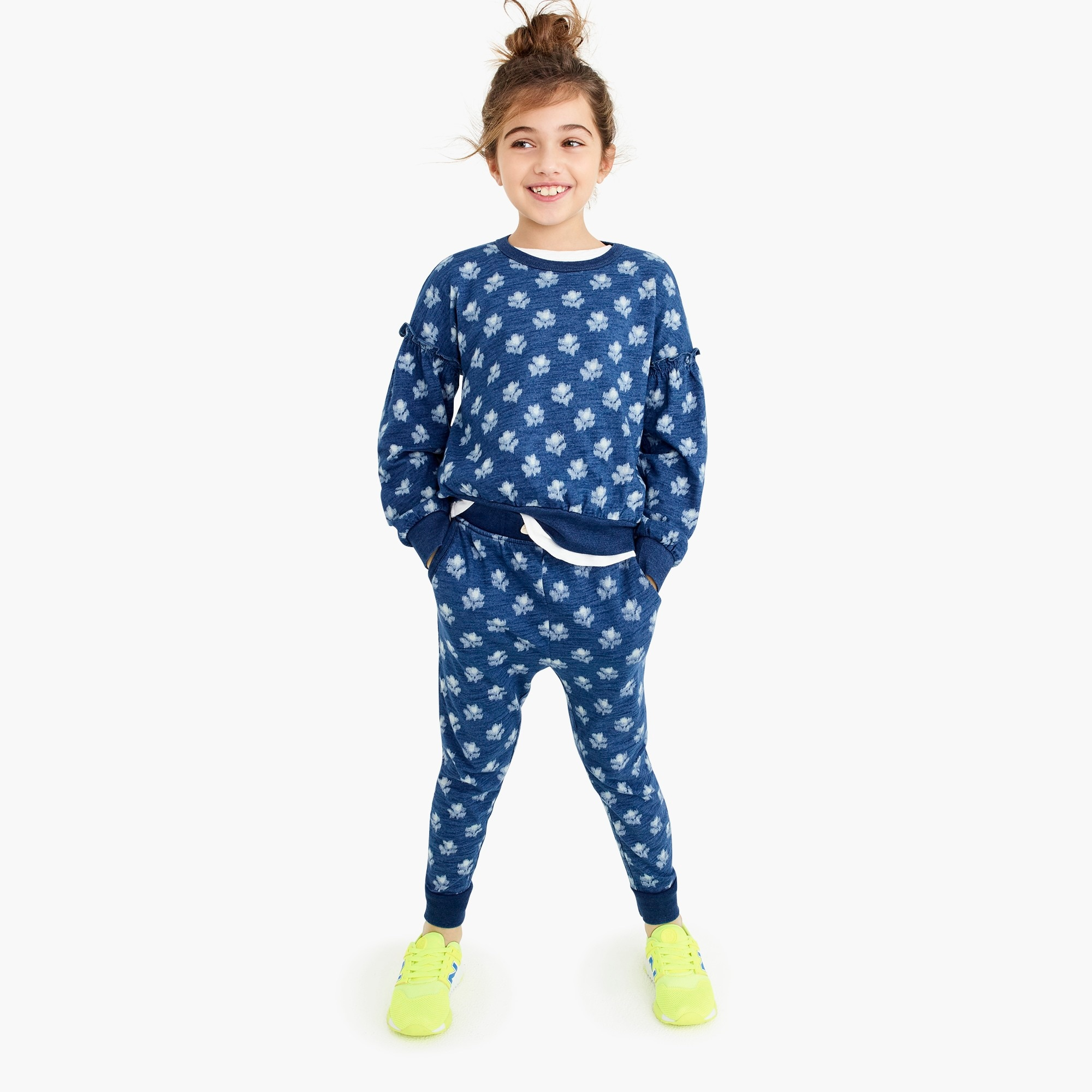girls Girls' sweatpant in indigo floral