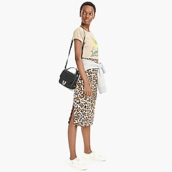Linen pencil skirt in leopard print