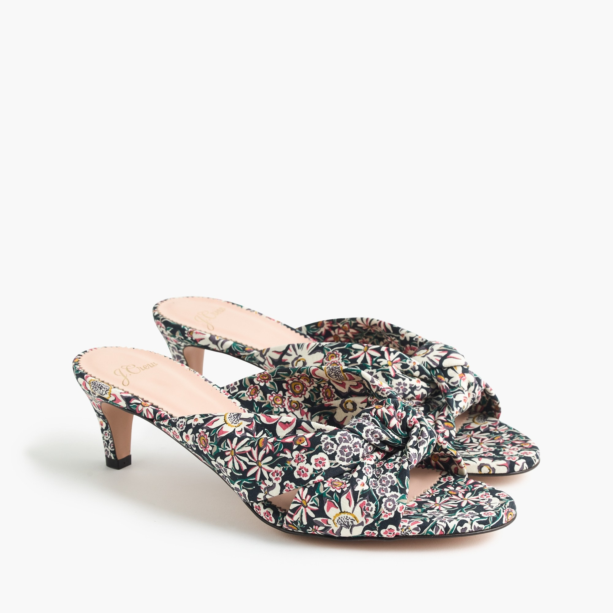 Knotted kitten heels in floral